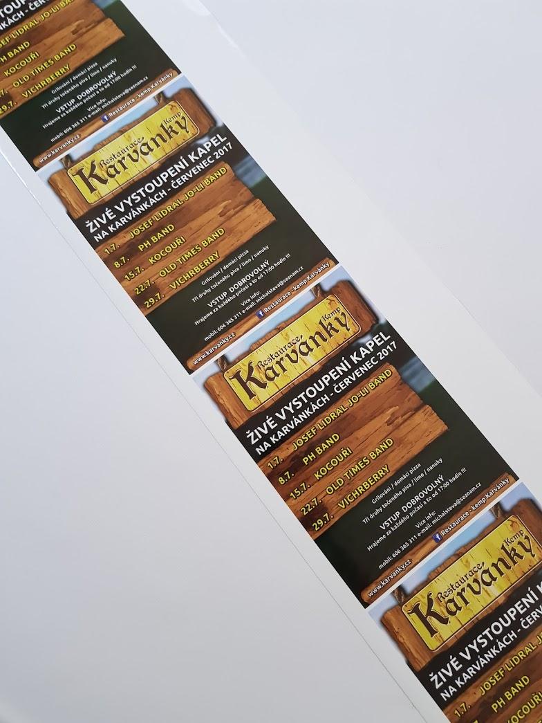 Samolepky s programem pro Karvánky