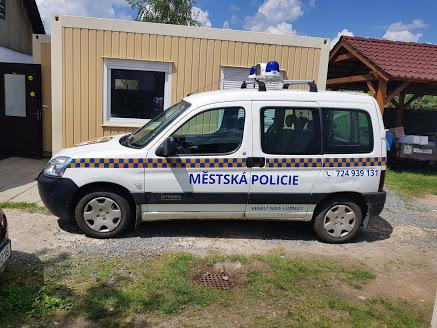 polep auta městská policie Veselí